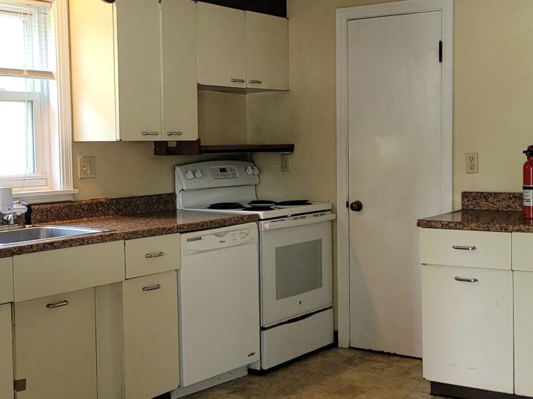 3132 Kitchen
