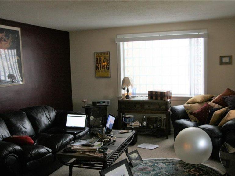 3133 Zuck living room